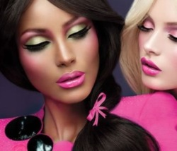Great spring look by Mac Cosmetics. I must try for sure!