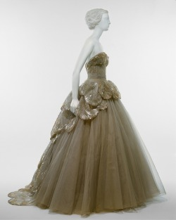 "Christian Dior ""Venus"" dress ca. 1949 via The Costume Institute of the Metropolitan Museum of Art"
