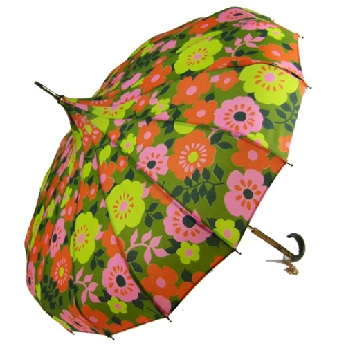 (via Vintage Spring Colored Pagoda Umbrella | Making it Lovely)