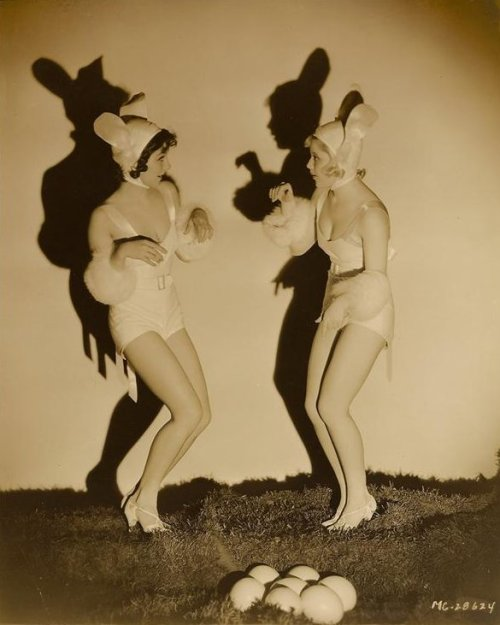 Jean Parker and Mary Carlisle - c. 1930s