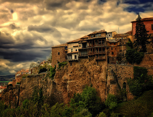 westeastsouthnorth:  Cuenca, Spain (by Luciti)