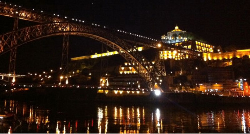 vgoller:  Porto by night. An astonishing view of Dom Luis I Bridge and the riverbank of Vila Nova de Gaia April 2011 #Porto  Sweet!