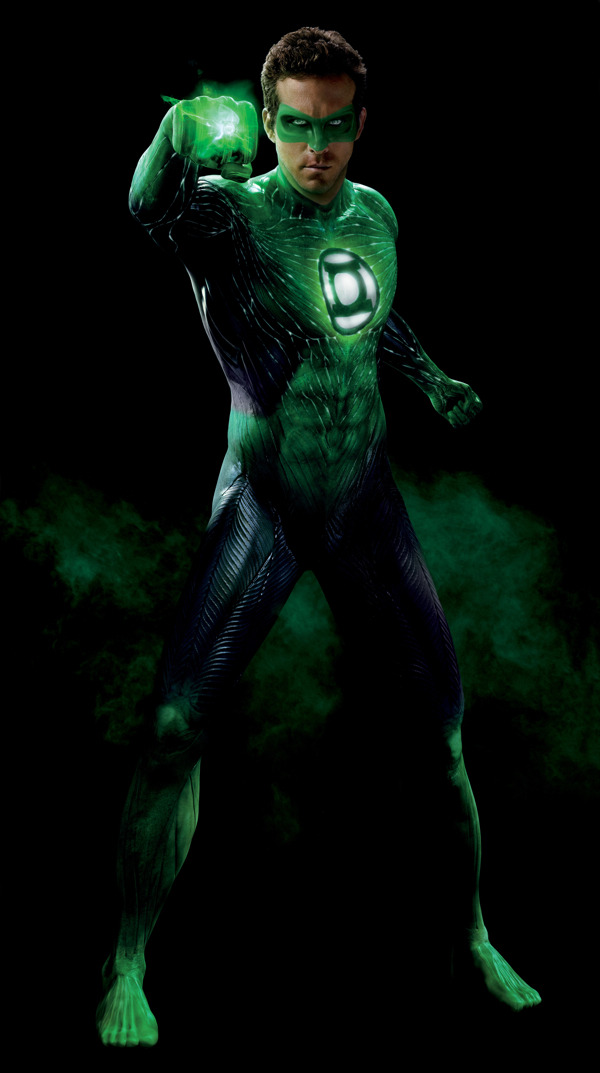 The Green Lantern's toes make me weep for the current state of movies. They also creep me the hell out. Not sure what's worse: this or batnipples. Real talk: why the fuck's the suit gotta' be CG? Did they honestly think it would look good? Was a real suit too expensive? Knock it off, Hollywood! You're acting silly and I won't stand for it. [Via Coming Soon]