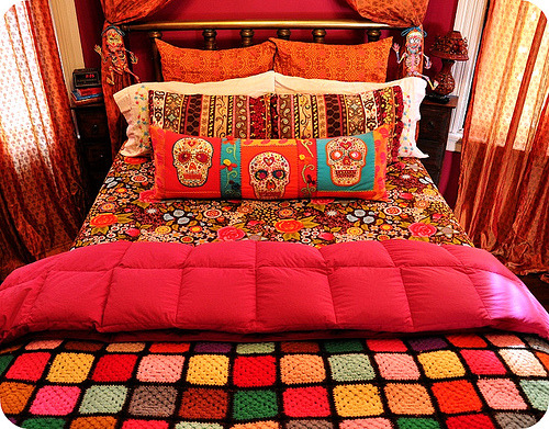 i want. still need to find some day of the dead decor and some wicked awesome wood tiki masks. hit me up if ya gots em
