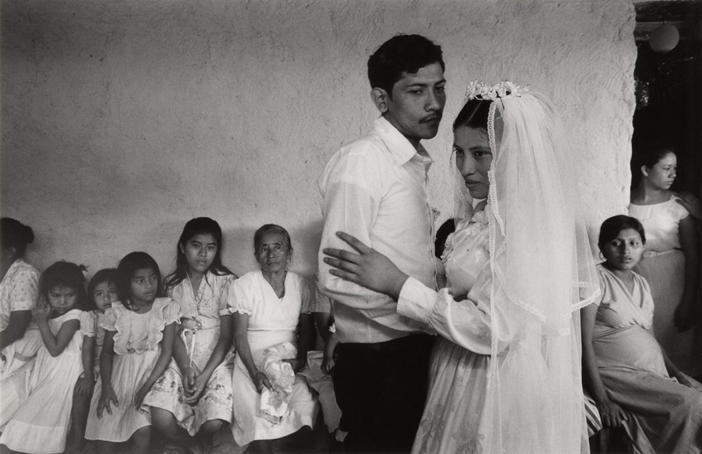 "Susan Meiselas ""Wedding reception, Santiago Nonualco, El Salvador"" (1983)"