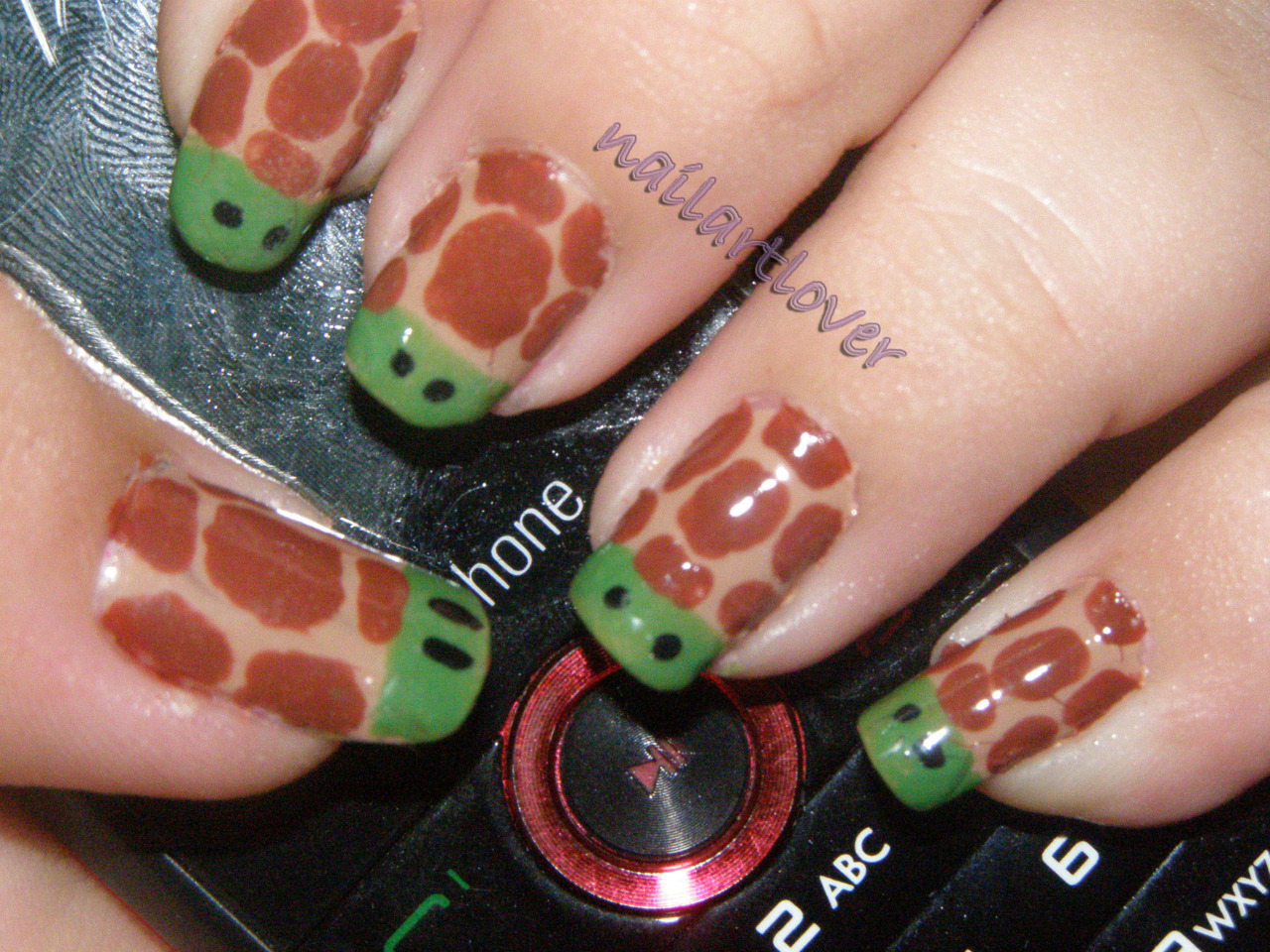 nailartlover:  Turtle (inspired by panlovespolish)  Super cute! nailartlover using my turtle nail art tutorial. (:
