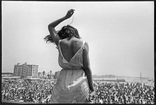 Dennis Stock. USA. California. 1968. Venice Beach Rock Festival.