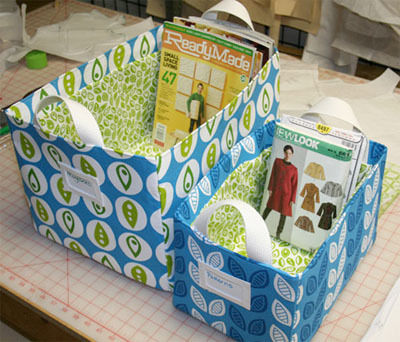 knotsandweeds:  Roundup of how to sew various fabric storage containers. (via pretty fabric bin organization | Skip To My Lou)