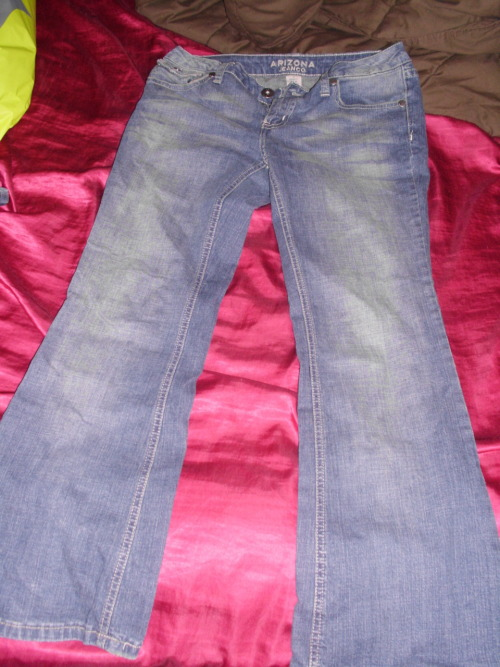 Arizona jeans, normal flare. Size 7 Short. $12/trade.