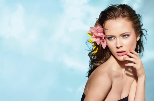Monika Jac Jagaciak, a polish model. Promo image for Les Fleurs D'Ete De Chanel summer 2011 makeup collection You will also like: flower days.
