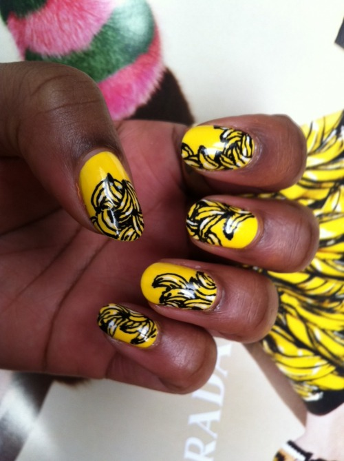 wahnails:  PRADA BANANA NAILS!!!
