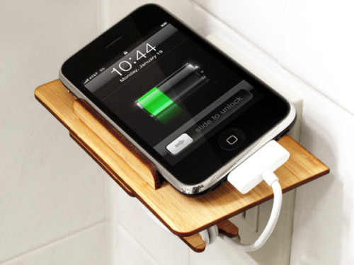 via yankodesign.com flat pack iphone dock