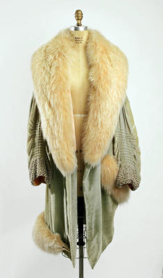 omgthatdress:  Coat ca. 1928 via The Costume Institute of the Metropolitan Museum of Art
