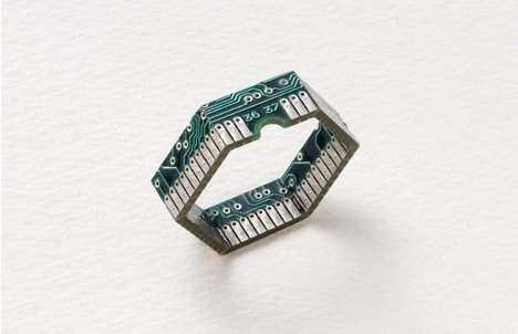 Very cool rings and other jewelry items made by Yuma Fujimaki from computer circuit boards and other e-waste. (Via TreeHugger; hat tip to Green Thing, @Dothegreenthing.)