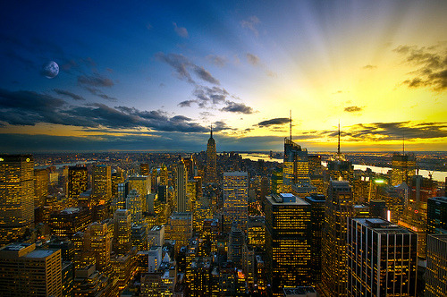 caroflieshigh: Colors of New York (by Dominic Kamp)