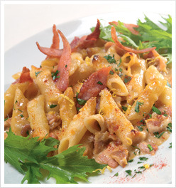 Cheese and Bacon Pasta Bake. Click through for recipe.