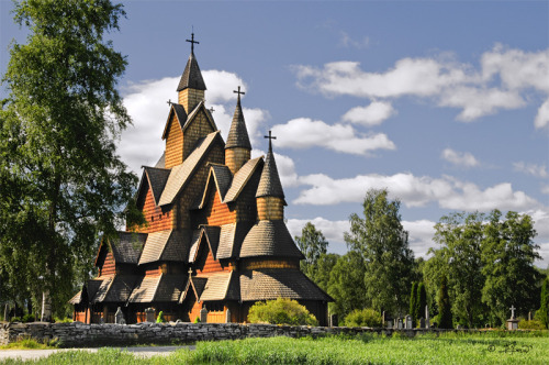 <br /> Heddal stave church (Heddal stavkirke) is a stave church located at Heddal in Notodden municipality, Norway.<br /> The church is a triple nave stave church and is Norway&#8217;s largest stave church. It was constructed at the beginning of the 13th century. After the reformation the church was in a very poor condition, and a restoration took place during 1849 &#8211; 1851. However, because those who did it didn&#8217;t have the necessary knowledge and skills, yet another restoration was necessary in the 1950&#8217;s. The interior is marked by the period after the Lutheran Reformation in 1536/1537 and is for a great part a result of the restoration that took place in the 1950&#8217;s.</p> <p>What is known is that five peasants together with Sira Eilif built the church<br /> &#8221; /></a></p> <div> <p><strong>Heddal stave church</strong> (<strong>Heddal stavkirke</strong>) is a <a href=