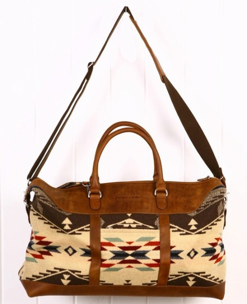 perpetuallyspeaking:  Such a cute Pendleton bag. Love their products!