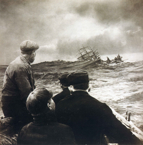 Jodersí! undr:  Francis James Mortimer; The Wreck (of the Arden Craig), 1911. via wonderfulambiguity