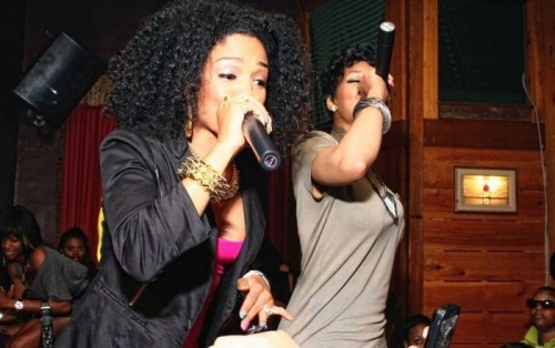 hellyeahrasheeda:  Rasheeda & Lola going in on the Bedrock Remix !   Nice!