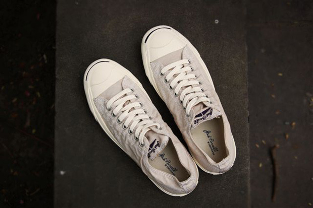 novh:  (via Converse Jack Purcell Light Mid | Hypebeast)