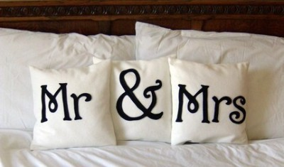 ido-dreams:  (via fashionsociety) I'm in love with these pillows.