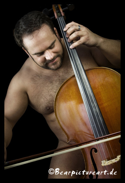 "bearmythology:  ""Cello? Is it me you're looking for?""  yes you!!!"