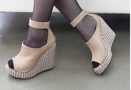 Rivets embellished Fish-mouth style wedge shoes in apricot = $17