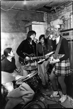 mayapapayasmelange:  The Raincoats