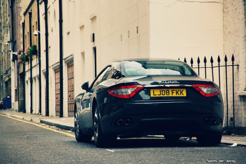 Maserati GranTurismo in London. Photo by Niels de Jong (via FuckYeahMaserati).