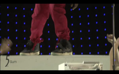 Better screen cap of Air Yeezy 2s.  Not my screen cap but props to whoever took it and @sonyci for tweeting this.