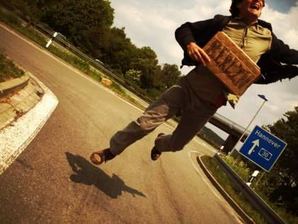 I love hitchhiking! I write about hitchhiking on my blog http://robokow.net but also in Dutch at Liftenwerkt! or Hitchhiking Works!