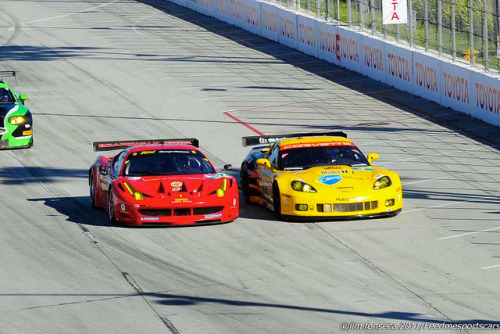 gearheadsandmonkeywrenches:  Jamie Melo (Ferrari 458 GT2) tries to overtake Jan Magnussen (Corvette C6.R GT2) at Long Beach (ALMS). Magnussen would finish second, Melo third.