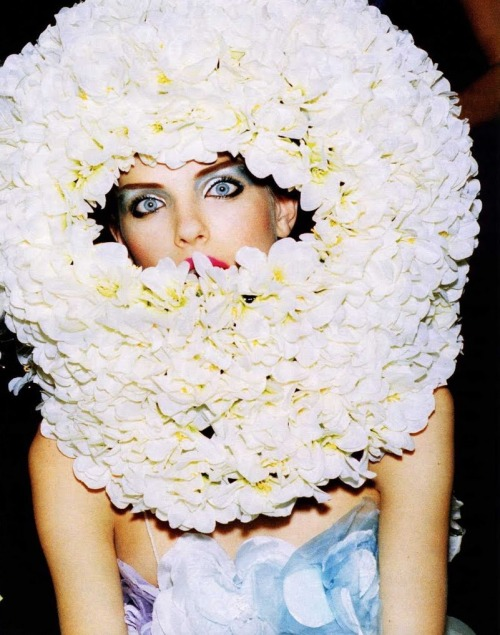 spinningbirdkick:  Ellen Von Unwerth / Vogue Russia April 2007.