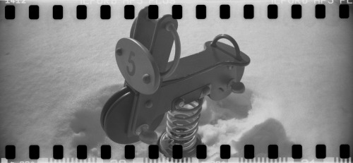 Winter Parq Sprocket Rocket Ilford HP5 (expired) (by blormore)