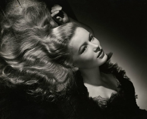 Portrait of Veronica Lake from I Wanted Wings (1941) Photographed by George Hurrell Image Source: Flickr