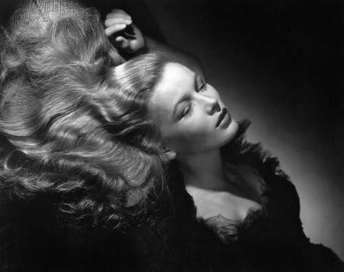 Portrait of Veronica Lake from I Wanted Wings (1941) Photographed by George Hurrell Image Source