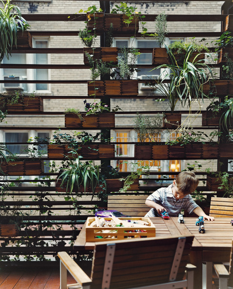 Vertical garden inspiration from dwell.