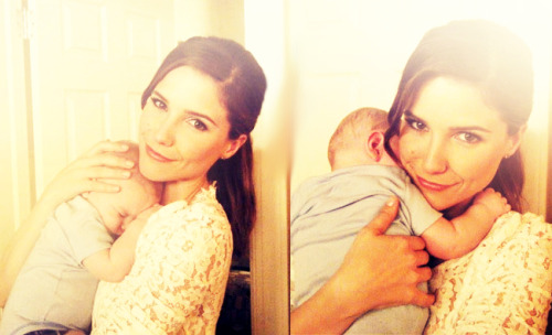 badforgood:  Sophia Bush + Baby