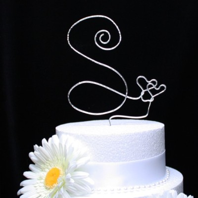 This is a follow up idea for my sister's Wedding Cake Topper that I posted a little bit ago. My last name is Short and my future Brother In-Laws last name is Sena, so I thought this would be cute since my sister is not losing her initials. Do not forget to check out Etsy.com
