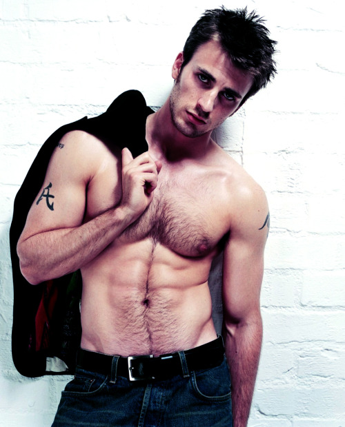 Chris Evans. Yummy.