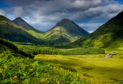 fuckyeahtravelinspirations:  Glenetive  This is one of my favourite places in the World.