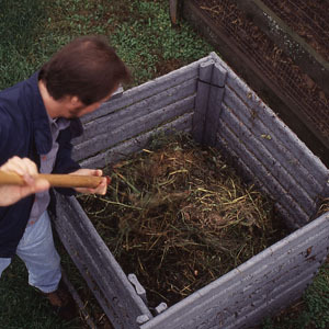 jenn520:  permatech:  5 Steps to Fast Compost: Organic Gardening via funwithplantingplans.   some great tips