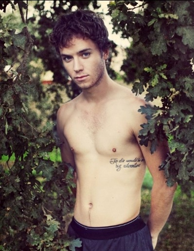 yourhipsterboyfriend:  Jeremy Sumpter A.K.A. PETER PAN FROM THE PETER PAN MOVIE