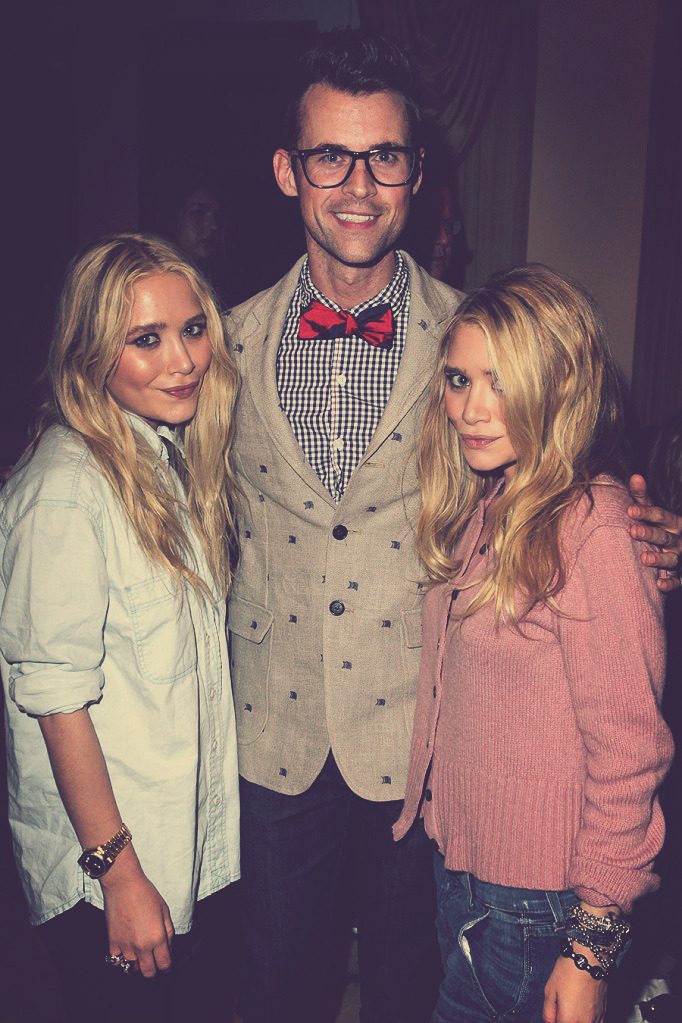 I would've fainted if i were in the picture with @mrbradgoreski and the twins