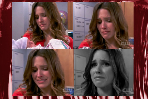 "http://littlesophia.tumblr.com/One day, Brooke Davis-Baker. One day you will receive your baby. You finally got the guy, you will get the family too.  Brooke: We need a name. Our baby's gonna be born without a name.Julian: Oops. Julian: Okay, I have a name. Clear your head. You ready?Brooke: Uh huhJulian: If it's a girl, Brooke and if it's a boy, BrookeBrooke: I know if its a girl Julian…If its a boy Julian ""i will give you a baby brooke davis"""