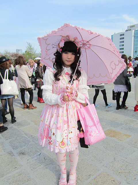 Sweet Sweet World All over Angelic Pretty fashionista on a day out ~ Comment on this post at HARAJUJU.net Forums!