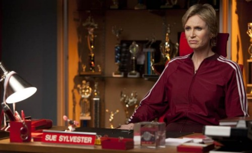 "New Glee 2x17 ""A Night Of Neglect"" stills - Sue Sylvester"