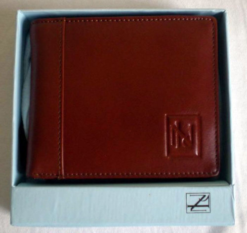 It's On eBay New & Lingwood Wallet If you put in a little effort, you can get something wonderful for the price of something passable. Buy It Now for £24.99 ($40)