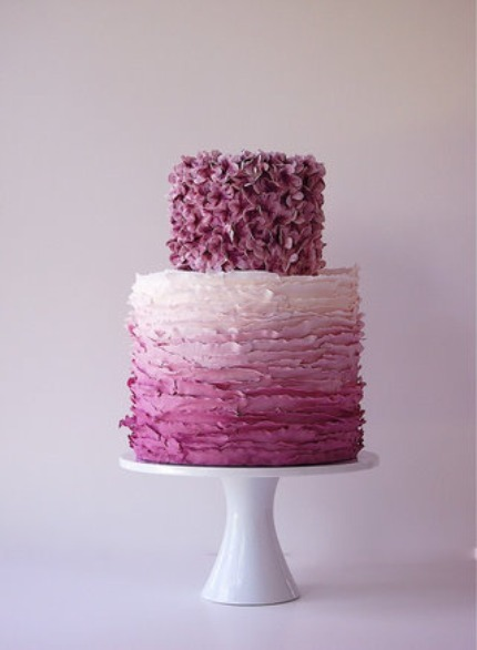 What a delectable looking ombre wedding cake! (via postcards and pretties)